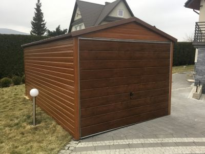 Garažas 2,95m x 4,5m, medžio imitacijos - 1250 Eur